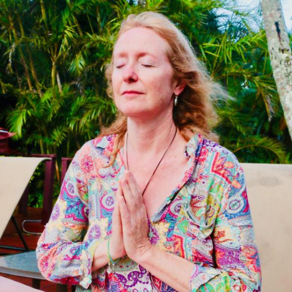 Sacred Site Hawaii Group Retreat Meditation